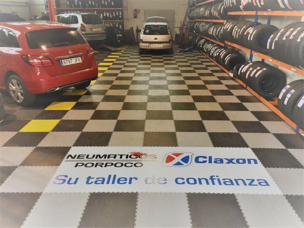 Car repair shop, Spain
